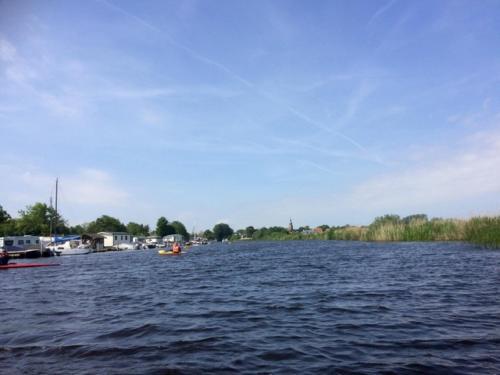 water bij de camping tussen de diepen